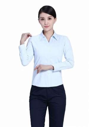 浅蓝商务长袖衬衫